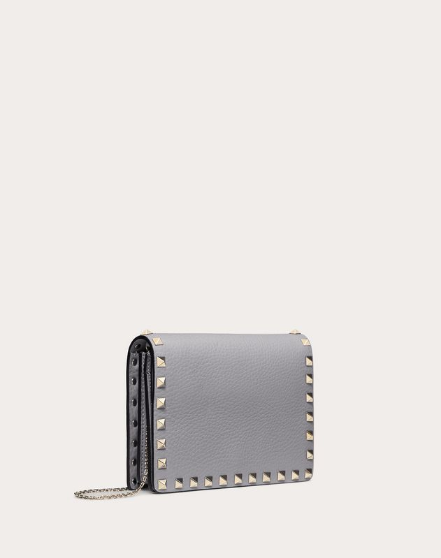 Pouch con Catena Rockstud in Vitello Granato