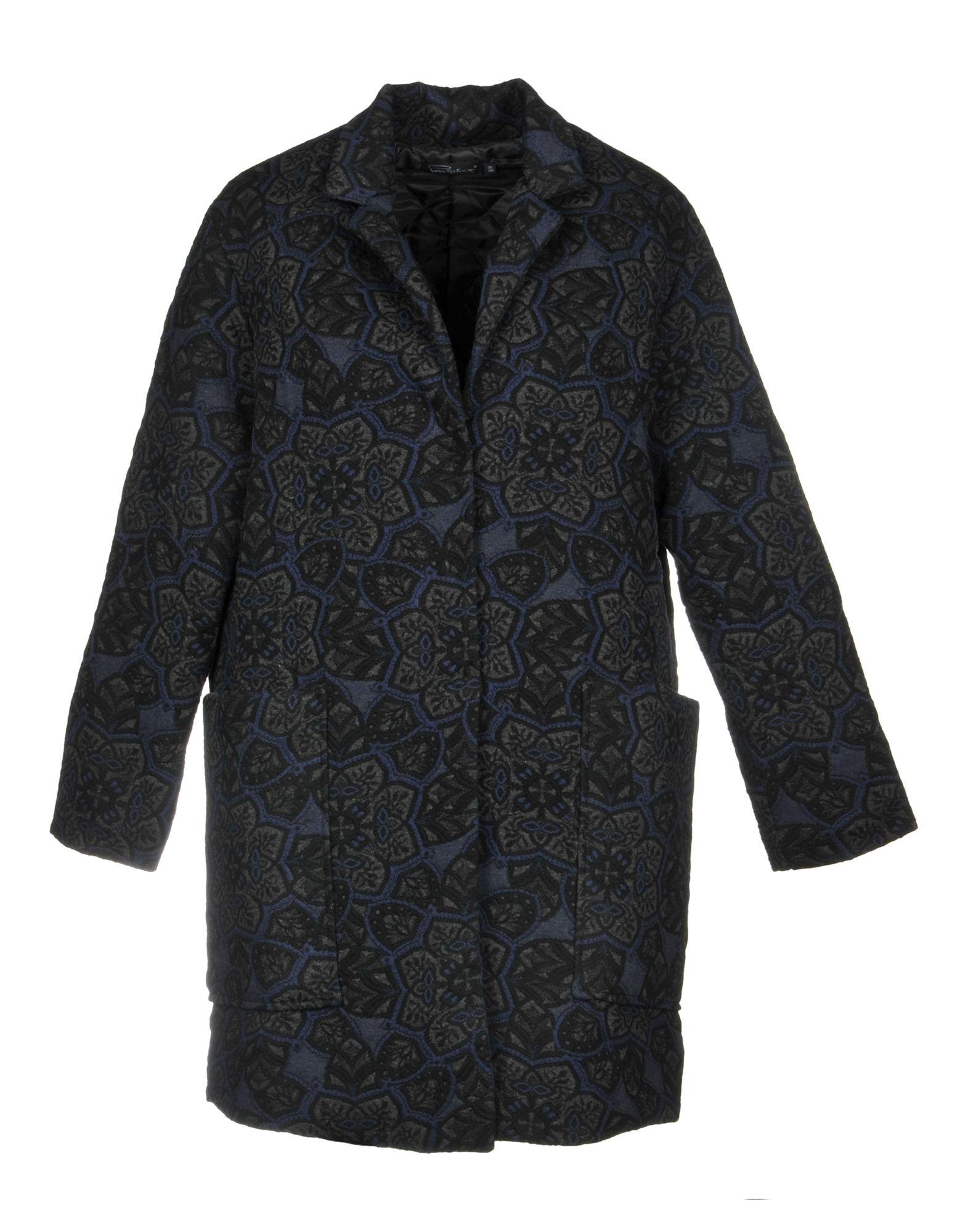 PIERRE MANTOUX Coat in Dark Blue