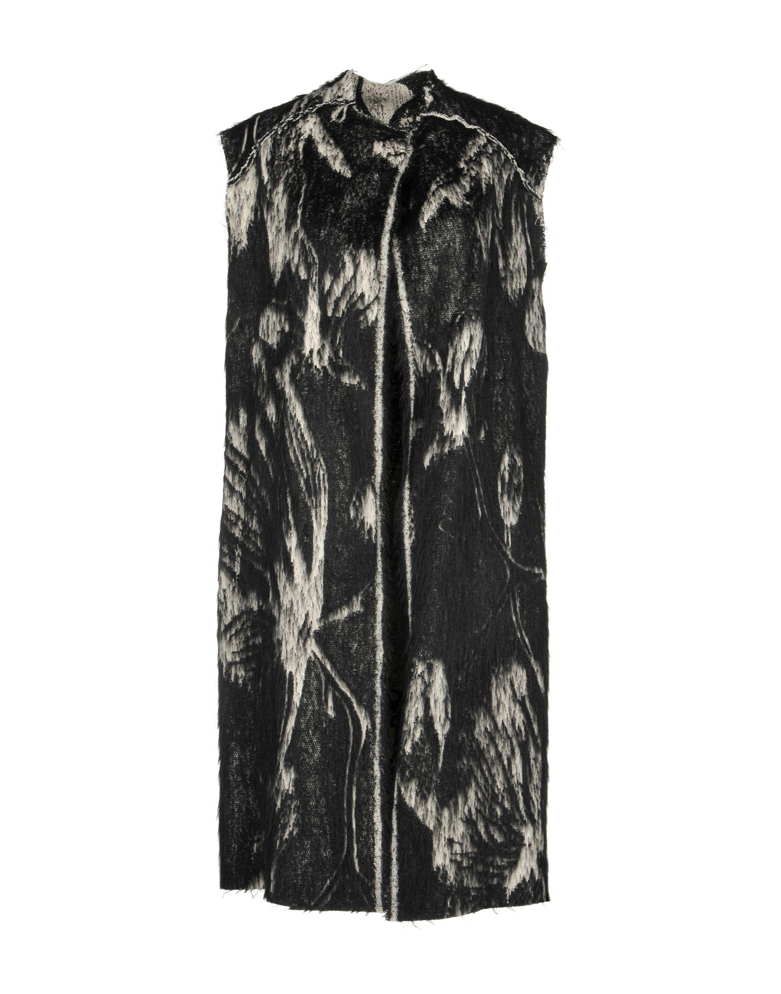 SIMONA TAGLIAFERRI Coat in Black