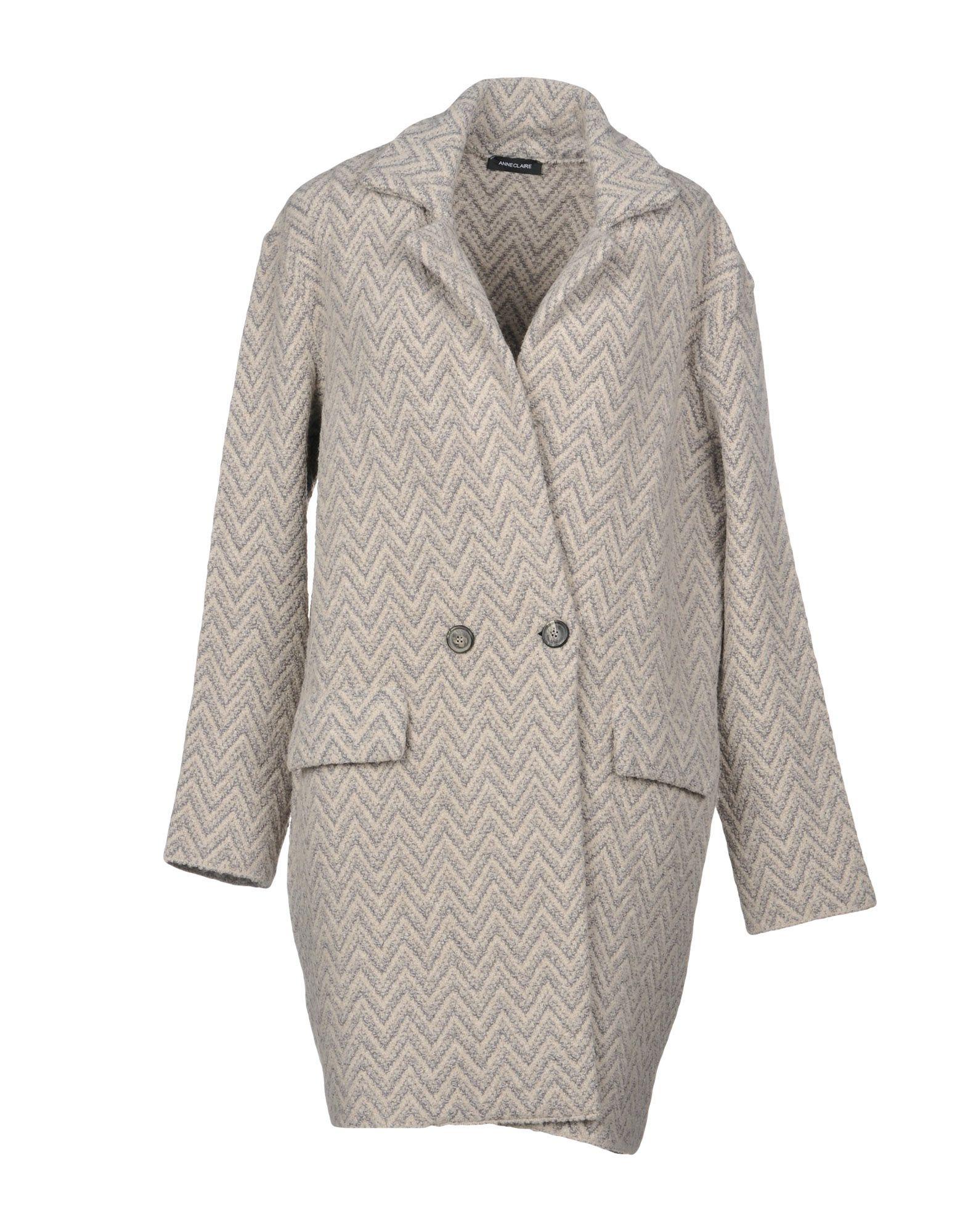 ANNECLAIRE Coat in Grey