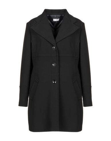 Легкое пальто от LIST