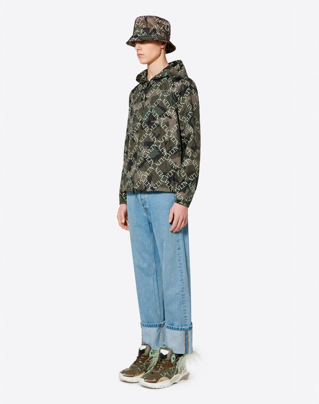 CAMOUFLAGE WINDBREAKER WITH VLTN GRID PRINT