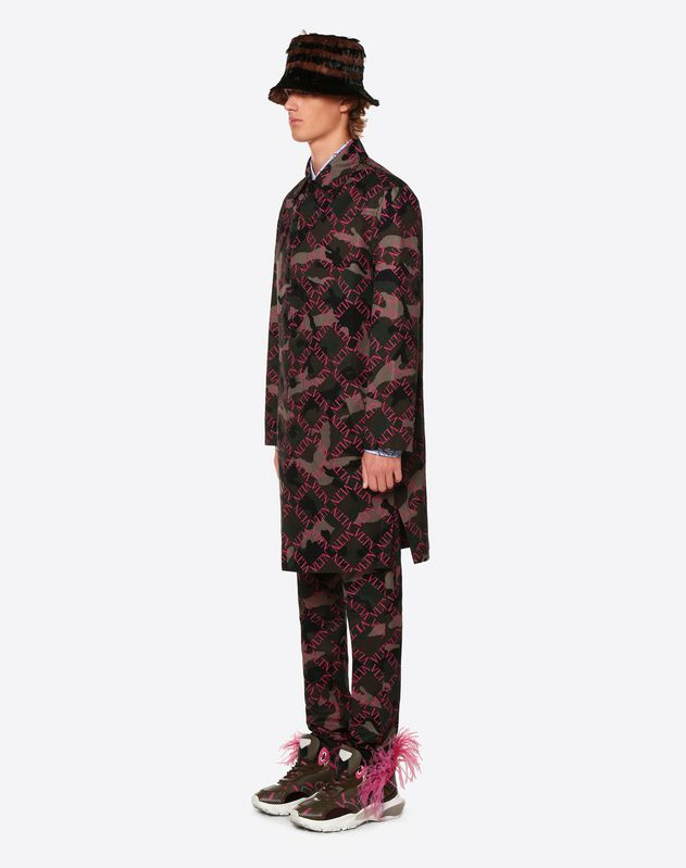 CAMOUFLAGE COAT WITH VLTN GRID PRINT