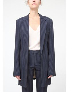 Fluid tailored jacket