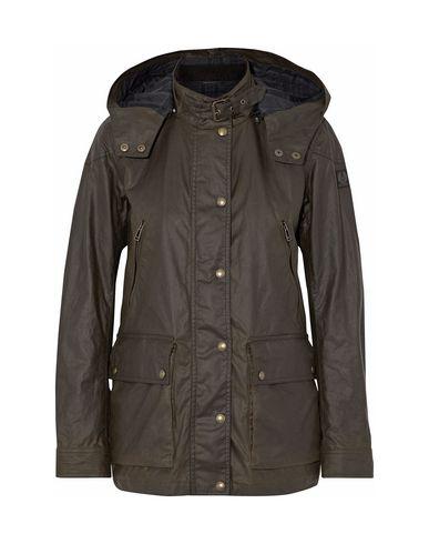 Фото - Женскую куртку  темно-зеленого цвета