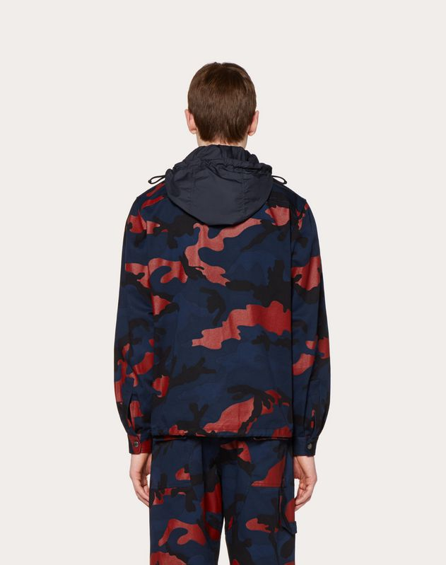 HOODED CAMOUFLAGE JACKET