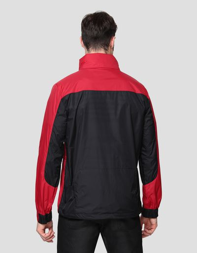 Foldable men's jacket in water resistant fabric