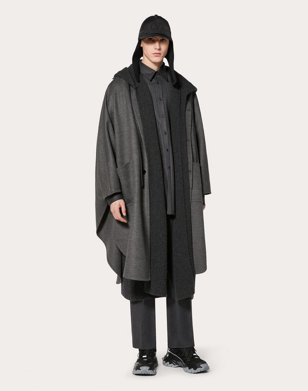 CAPE IN DOUBLE-LAYER CASHMERE