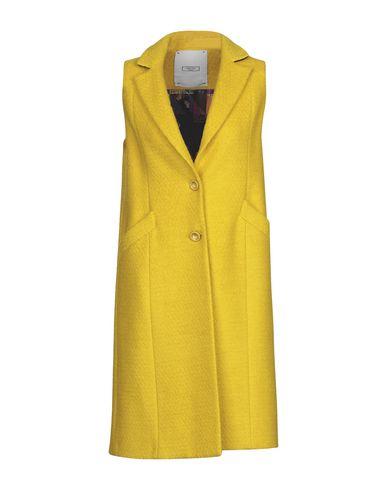 Фото - Женское пальто или плащ GRETHA Milano желтого цвета