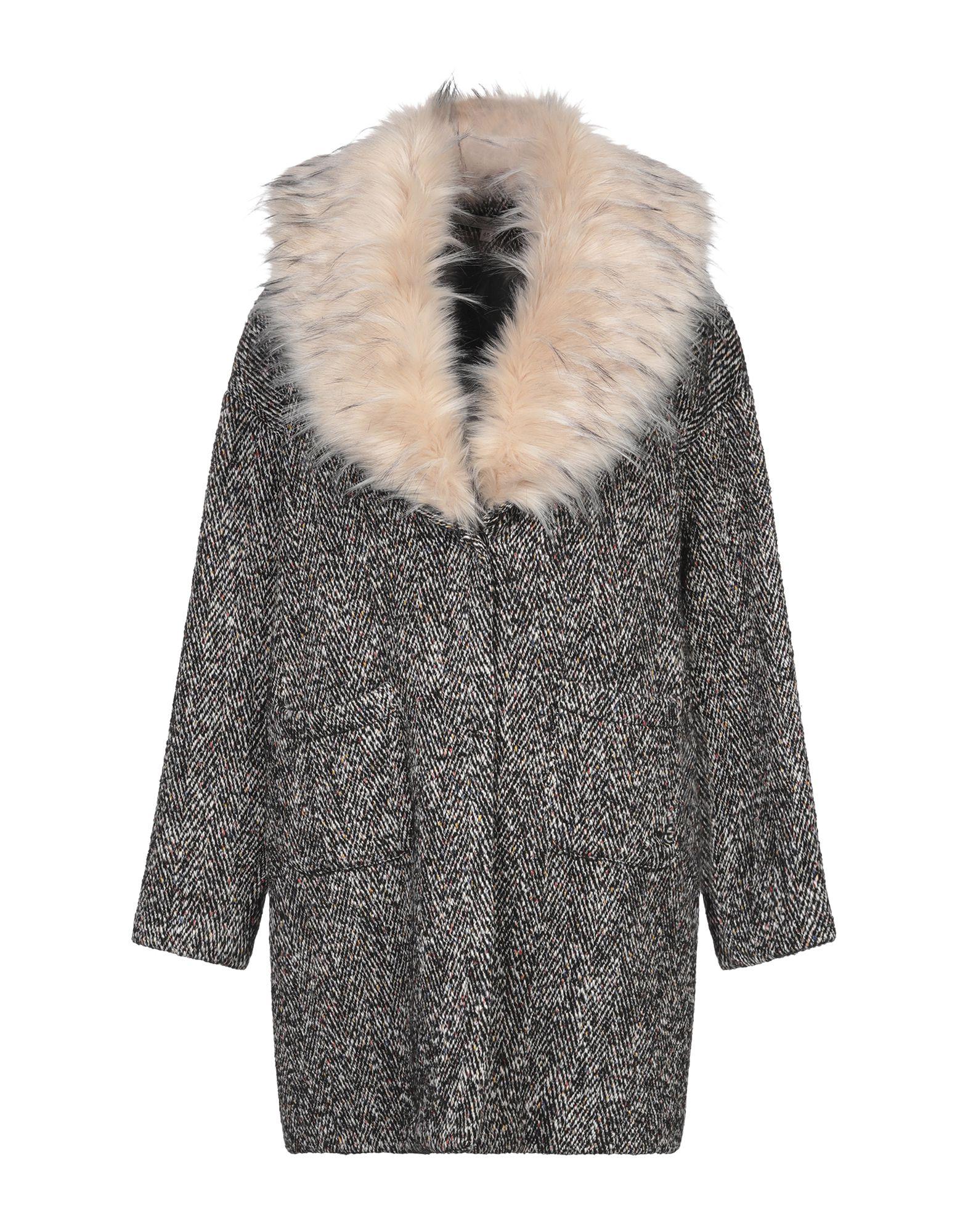 цены на LA FEE MARABOUTEE Пальто  в интернет-магазинах