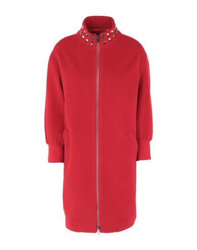 Фото - Женское пальто или плащ  красного цвета