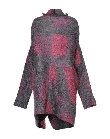 Фото 2 - Женское пальто или плащ MASNADA цвет пурпурный