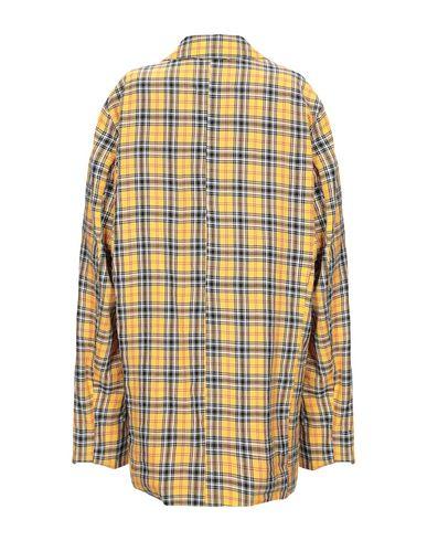 Фото 2 - Легкое пальто от CAPLANENTWISLE желтого цвета
