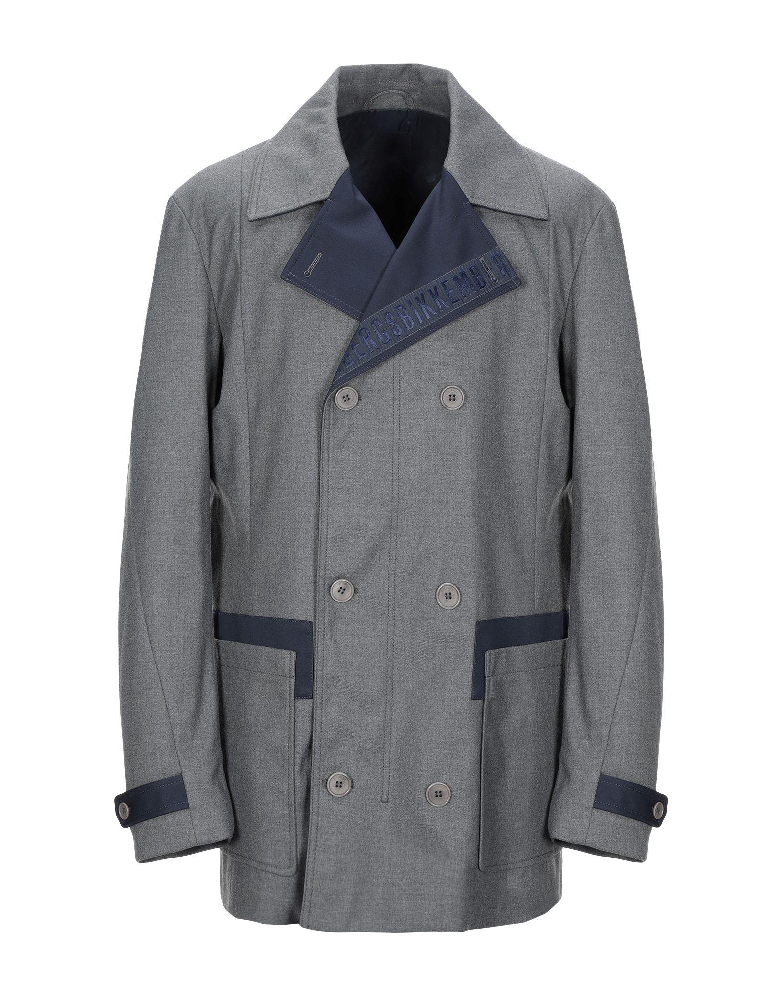 BIKKEMBERGS Пальто