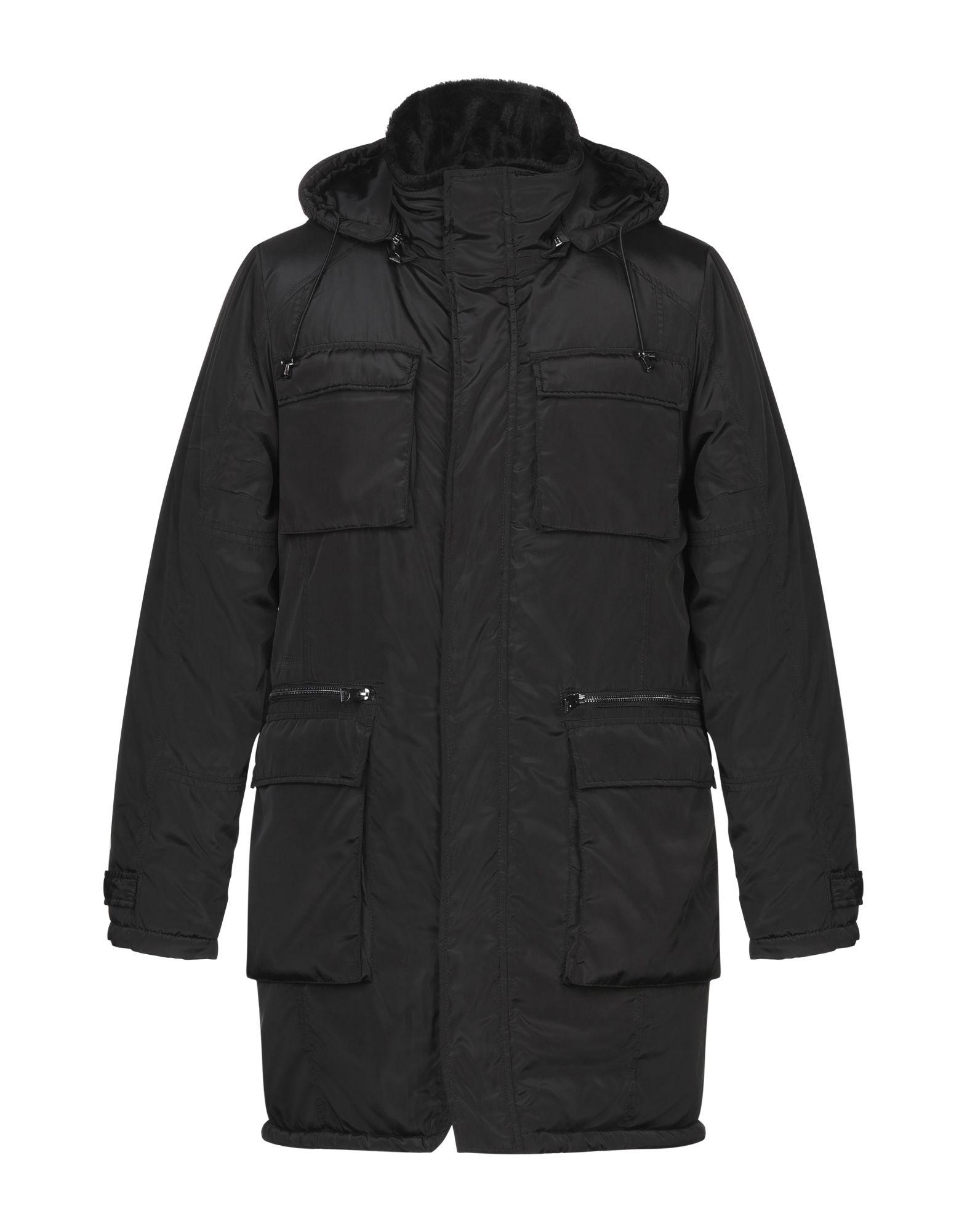 купить GUESS Пальто дешево