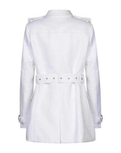 Фото 2 - Женское пальто или плащ  белого цвета