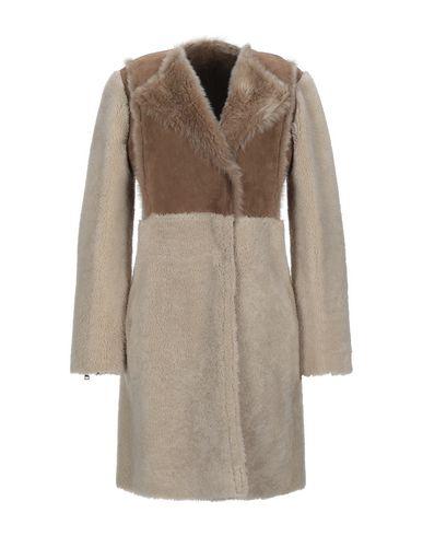 Купить Женское пальто или плащ S.W.O.R.D. бежевого цвета