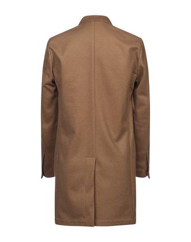 Фото 2 - Мужское пальто или плащ LOW BRAND цвета хаки