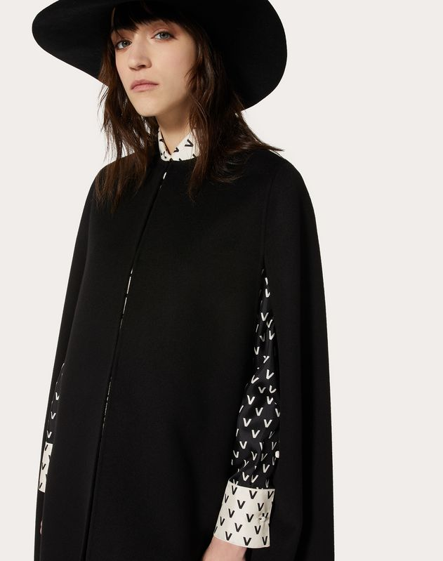 Double-Faced Compact Wool Cape