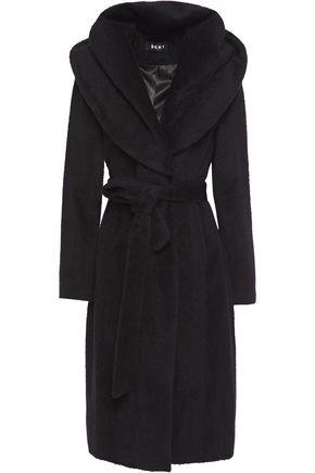 DKNY معطف بغطاء رأس من مزيج الصوف الممشَّط مزوّد بحزام