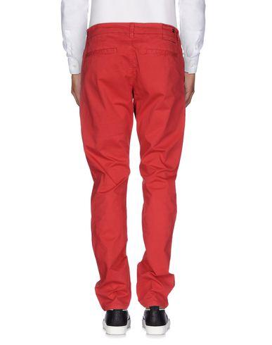 Фото 2 - Повседневные брюки от SUN 68 красного цвета