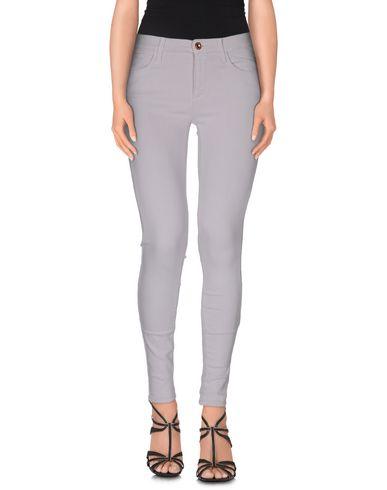 Фото - Джинсовые брюки от FC JEANS сиреневого цвета