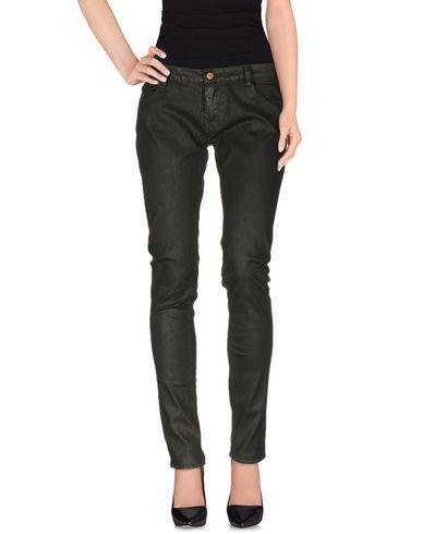 цена  LE TEMPS DES CERISES Повседневные брюки  онлайн в 2017 году