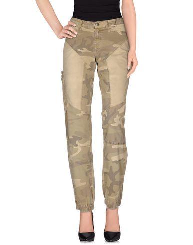 Фото - Повседневные брюки от 9.2 BY CARLO CHIONNA цвет зеленый-милитари