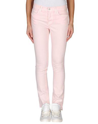 Фото - Джинсовые брюки светло-розового цвета