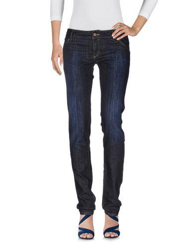 Фото - Джинсовые брюки от LIMITED EDITION синего цвета