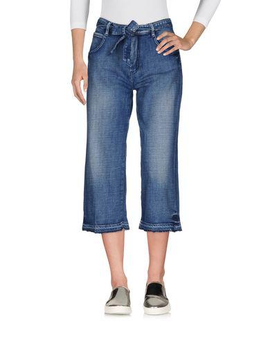 цена  LE TEMPS DES CERISES Джинсовые брюки-капри  онлайн в 2017 году
