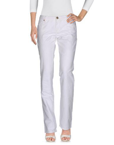 Фото - Повседневные брюки от ERMANNO DI ERMANNO SCERVINO белого цвета