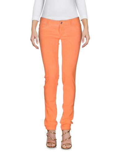 Фото - Джинсовые брюки оранжевого цвета