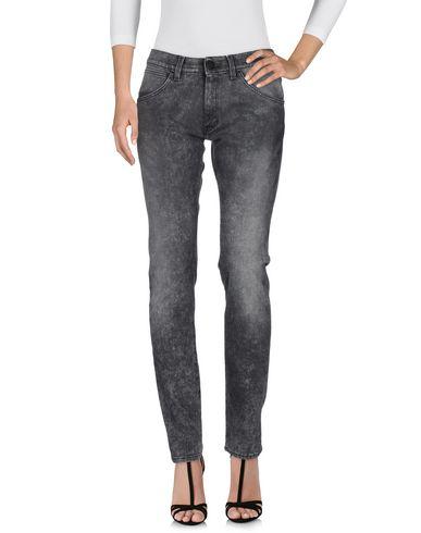 Джинсовые брюки WRANGLER 42585302PC