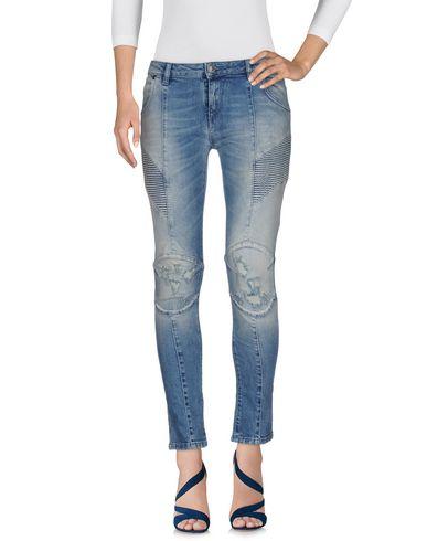 Джинсовые брюки PIERRE BALMAIN 42593476UI