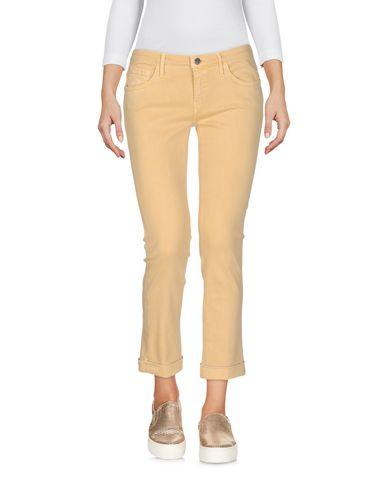 Фото - Джинсовые брюки-капри от KAOS JEANS желтого цвета