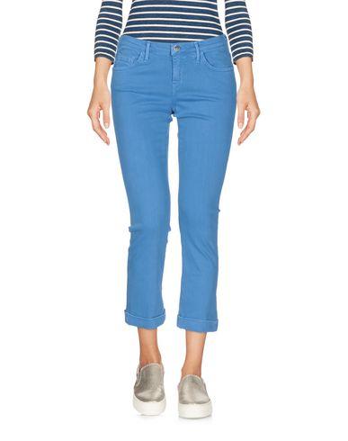 Фото - Джинсовые брюки-капри от KAOS JEANS лазурного цвета
