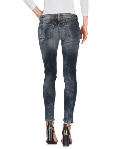 Фото 2 - Джинсовые брюки серого цвета