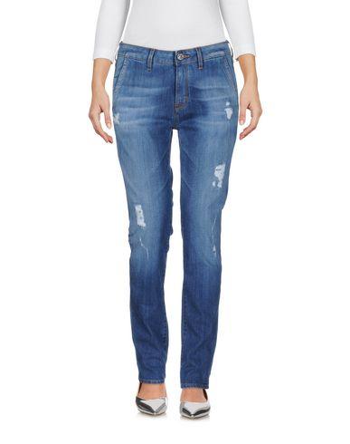 Фото - Джинсовые брюки от HAIKURE синего цвета