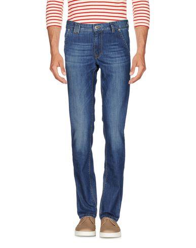 Фото - Джинсовые брюки от AT.P.CO синего цвета