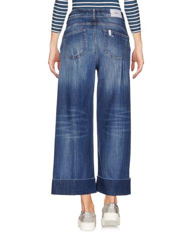 Фото 2 - Джинсовые брюки-капри синего цвета