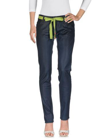 Фото - Джинсовые брюки от TWIN-SET JEANS грифельно-синего цвета