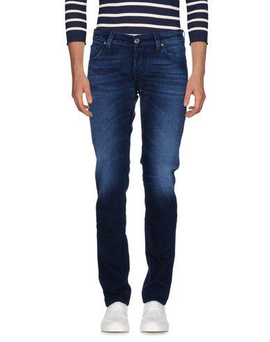 Фото - Джинсовые брюки от MOORER синего цвета