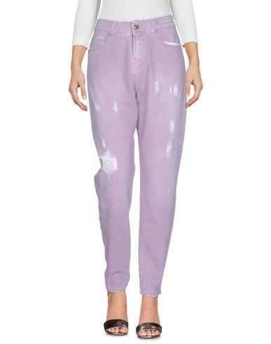 Фото - Джинсовые брюки от TWIN-SET JEANS светло-фиолетового цвета