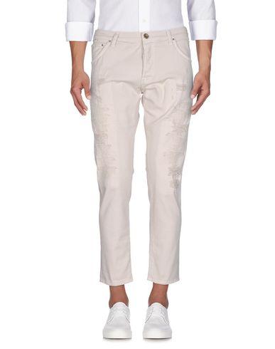 Фото - Джинсовые брюки от AGLINI светло-серого цвета