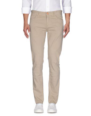 Фото - Джинсовые брюки от PT05 бежевого цвета