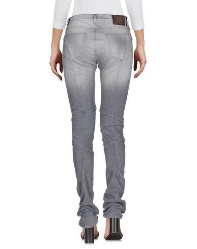 Фото 2 - Джинсовые брюки от ERMANNO DI ERMANNO SCERVINO серого цвета