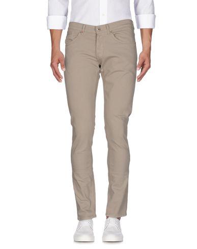 Фото - Джинсовые брюки светло-серого цвета