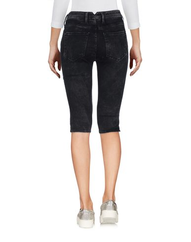 Фото 2 - Джинсовые брюки-капри черного цвета