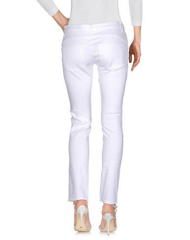 Фото 2 - Джинсовые брюки от BLUGIRL JEANS белого цвета